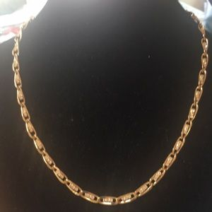 Jewelry - STUNNING gold toned and rhinestone necklace.